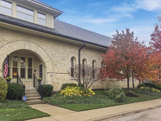 806 Stables Court, Highwood, IL 60040 (MLS #10925194) :: Helen Oliveri Real Estate