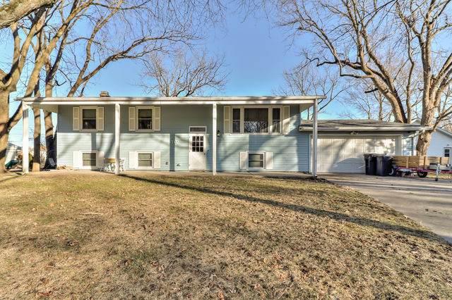 702 E Woodland Drive, ST. JOSEPH, IL 61873 (MLS #10970064) :: Ryan Dallas Real Estate