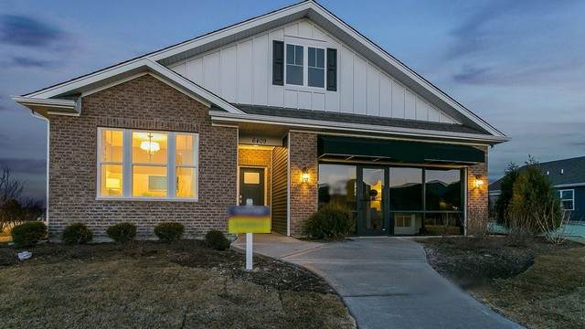 6409 Doral Drive, Gurnee, IL 60031 (MLS #10971833) :: Jacqui Miller Homes
