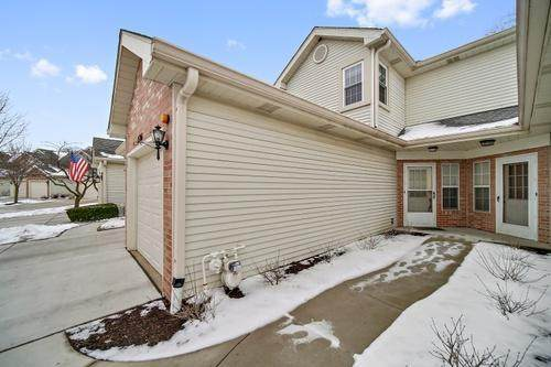1506 Golfview Court, Glendale Heights, IL 60139 (MLS #11015675) :: The Dena Furlow Team - Keller Williams Realty