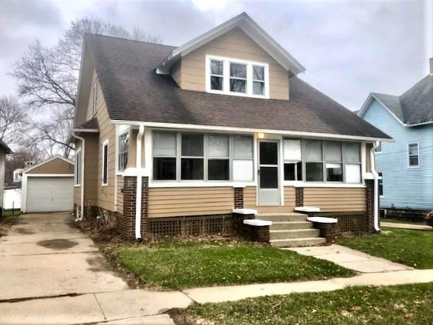 303 Park Avenue, Prophetstown, IL 61277 (MLS #11032656) :: Helen Oliveri Real Estate