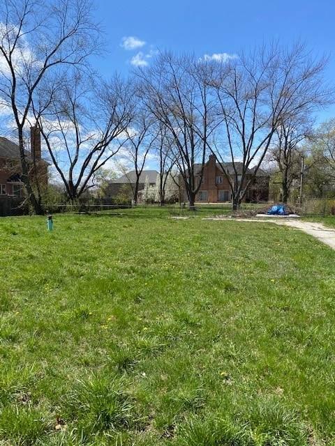 560 Pfingsten Road, Northbrook, IL 60062 (MLS #11042020) :: Helen Oliveri Real Estate