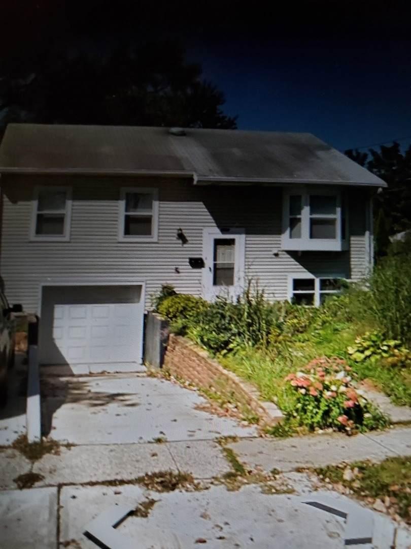 1598 Gerald Avenue - Photo 1