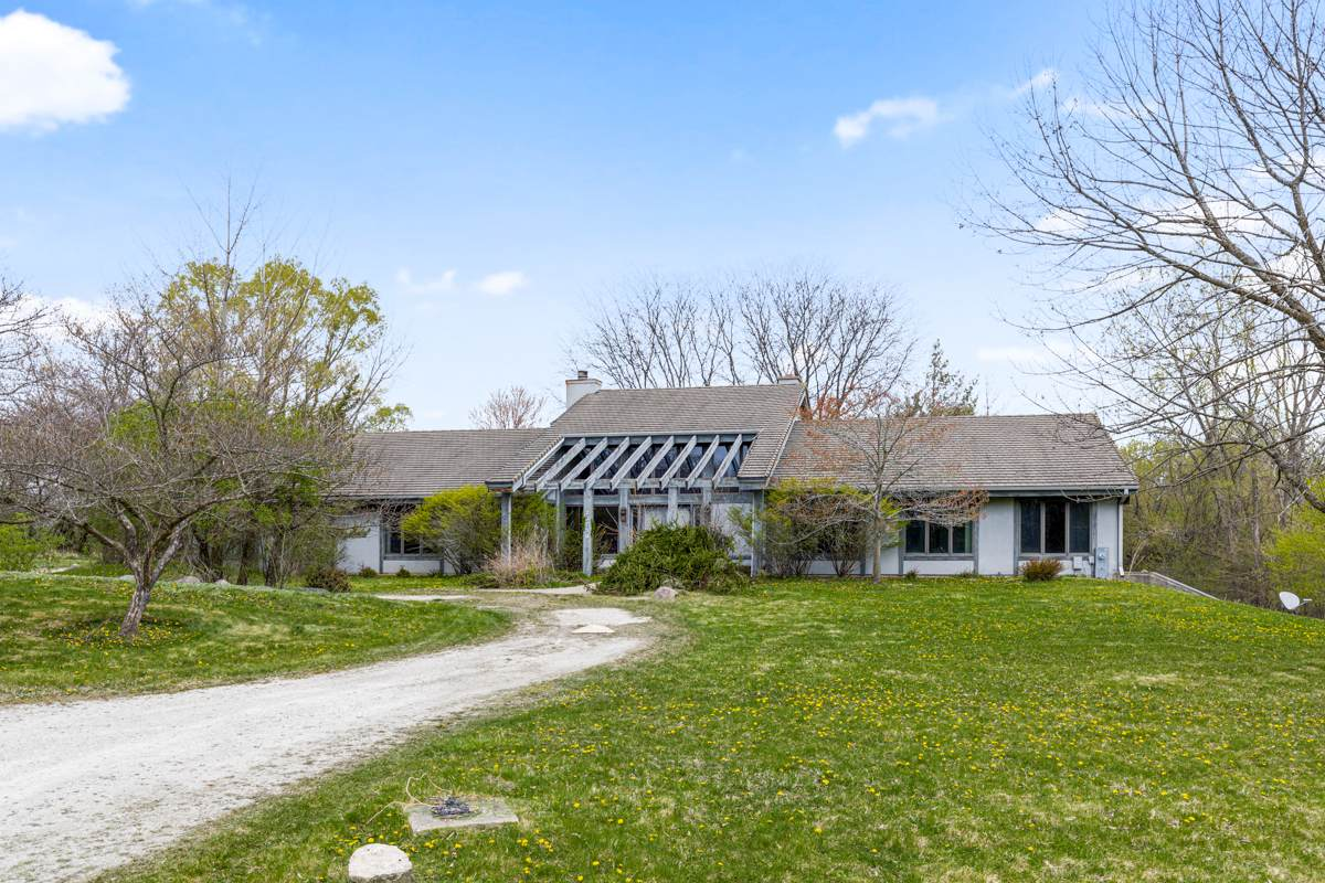 20750 Lakeview Parkway - Photo 1