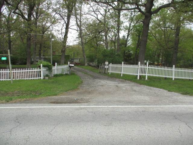 3115 231st Street, Sauk Village, IL 60411 (MLS #11082451) :: Helen Oliveri Real Estate