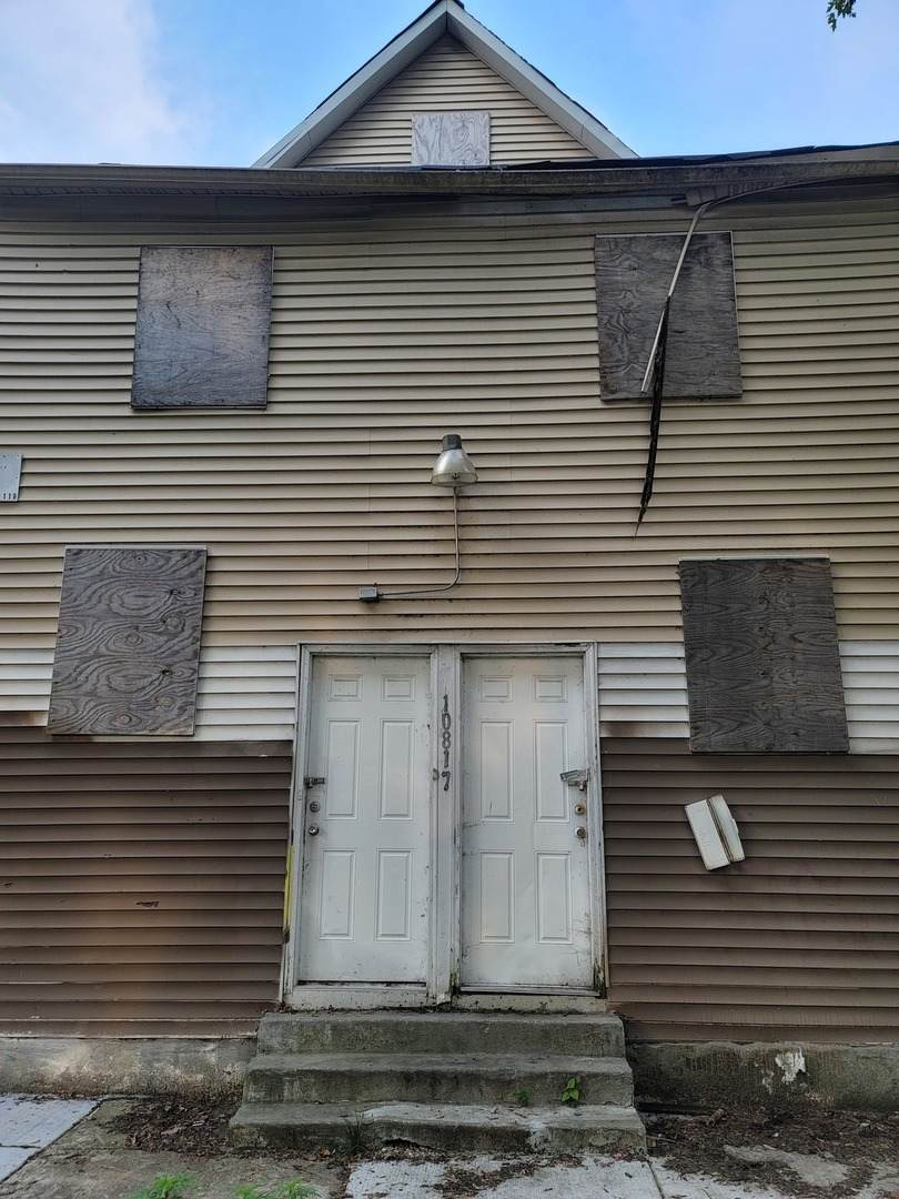 10817 Hoxie Avenue - Photo 1