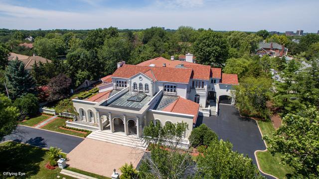 704 Deer Trail Lane, Oak Brook, IL 60523 (MLS #09691271) :: Helen Oliveri Real Estate