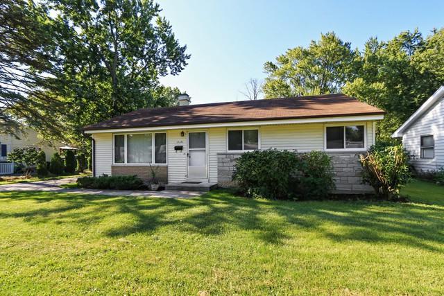 16343 W Arlington Drive, Libertyville, IL 60048 (MLS #09712420) :: The Perotti Group