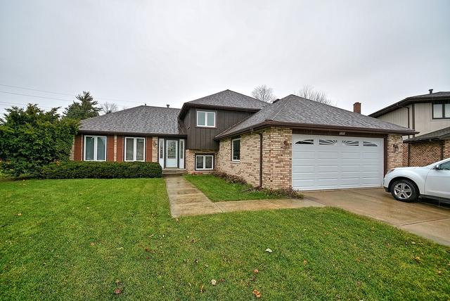 8301 Tower Road, Willow Springs, IL 60480 (MLS #09807093) :: The Wexler Group at Keller Williams Preferred Realty