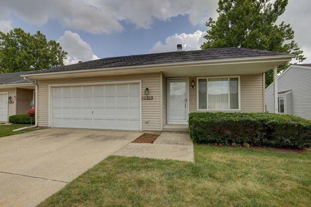 2815 Natalie Drive #2815, Champaign, IL 61822 (MLS #09878635) :: Ryan Dallas Real Estate