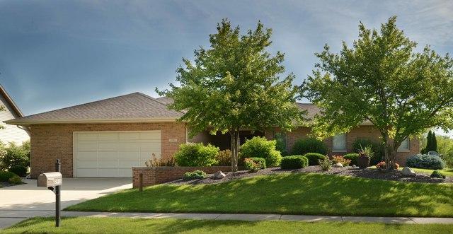 2910 Valleybrook Drive, Champaign, IL 61822 (MLS #09904226) :: Ryan Dallas Real Estate