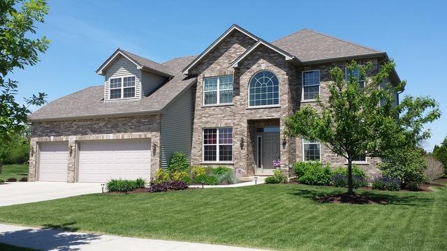 687 Bluestem Drive, Yorkville, IL 60560 (MLS #09914962) :: Lewke Partners