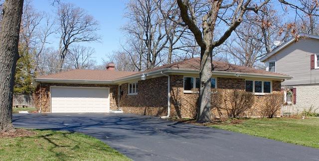 222 W Scranton Avenue, Lake Bluff, IL 60044 (MLS #09919295) :: Lewke Partners