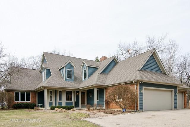 10 Autumn Trail, Barrington, IL 60010 (MLS #09923746) :: Helen Oliveri Real Estate