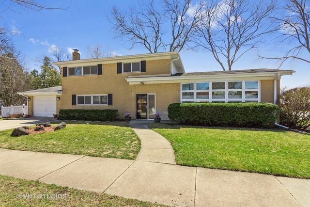 1463 Center Street, Des Plaines, IL 60018 (MLS #09928324) :: Lewke Partners