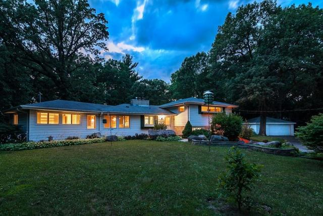 26374 N Hickory Road, Mundelein, IL 60060 (MLS #09958873) :: The Jacobs Group