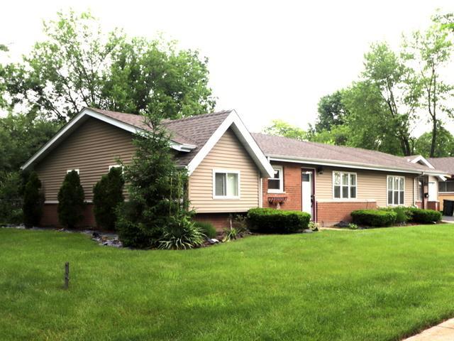 18906 Kings Road, Homewood, IL 60430 (MLS #09977961) :: Ani Real Estate