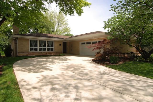 5135 Howard Avenue, Western Springs, IL 60558 (MLS #09984349) :: The Wexler Group at Keller Williams Preferred Realty