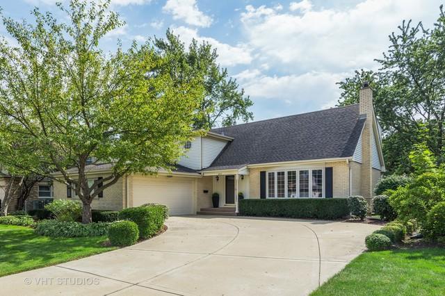 2411 E Michael Manor Lane, Arlington Heights, IL 60004 (MLS #10089247) :: Helen Oliveri Real Estate