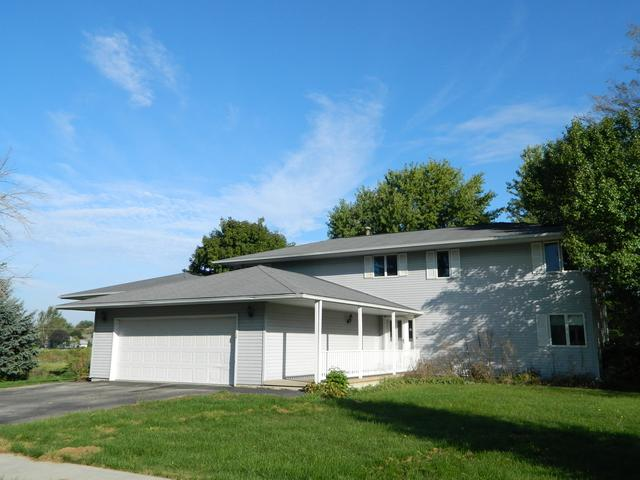 270 Prairie Street, Hinckley, IL 60520 (MLS #10099806) :: Baz Realty Network | Keller Williams Preferred Realty