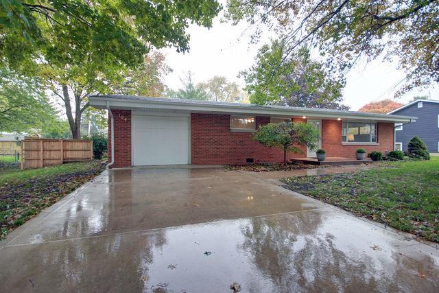 104 W Douglas Street, ST. JOSEPH, IL 61873 (MLS #10111735) :: Littlefield Group