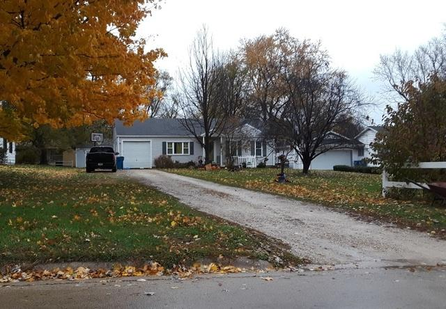 1412 Meriden Street, Mendota, IL 61342 (MLS #10129439) :: Leigh Marcus | @properties