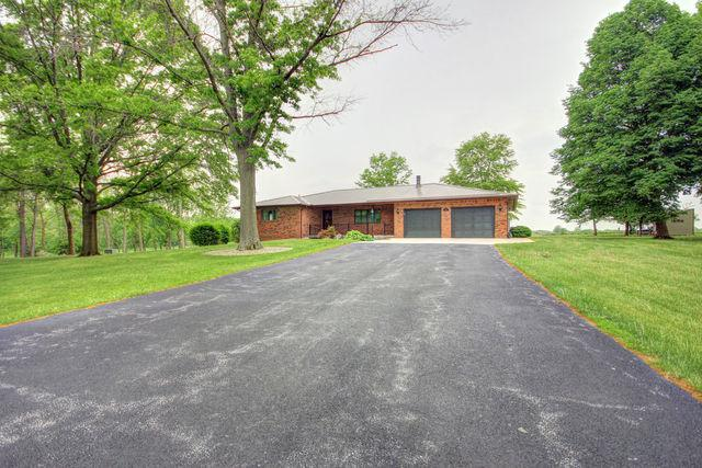 312 Blue Jay Drive, LEROY, IL 61752 (MLS #10135414) :: Century 21 Affiliated