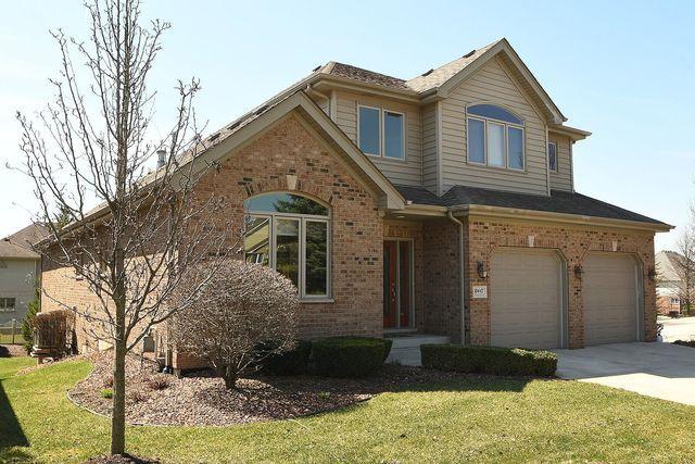 10447 Crown Drive, Orland Park, IL 60467 (MLS #10147874) :: Helen Oliveri Real Estate