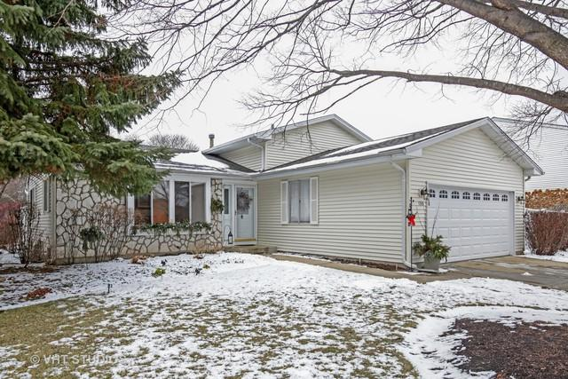 130 Wedgewood Drive, South Elgin, IL 60177 (MLS #10148209) :: The Mattz Mega Group