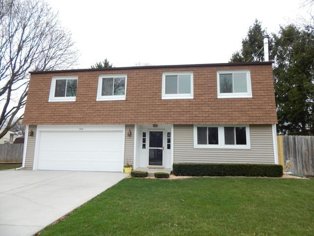 1948 Pleasant Avenue, St. Charles, IL 60174 (MLS #10170035) :: Helen Oliveri Real Estate