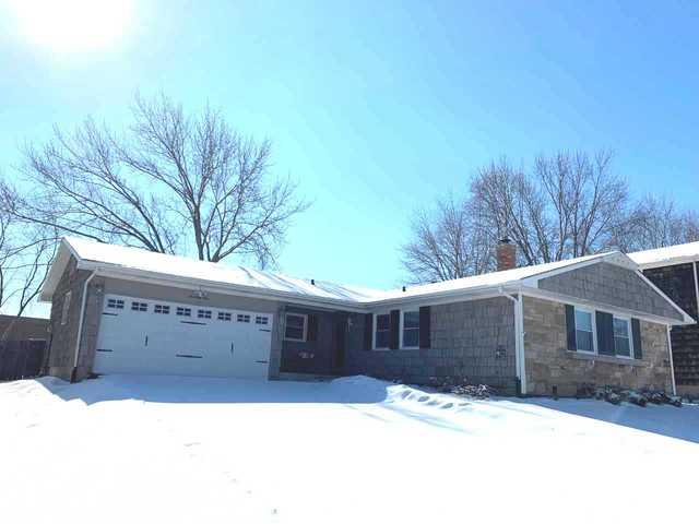 1049 Whitehall Drive, Buffalo Grove, IL 60089 (MLS #10257440) :: Baz Realty Network | Keller Williams Preferred Realty