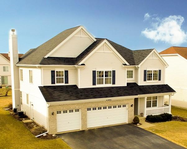 10841 Cortland Lane, Huntley, IL 60142 (MLS #10318160) :: Helen Oliveri Real Estate