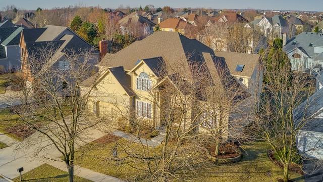 2215 Comstock Lane, Naperville, IL 60564 (MLS #10326340) :: Helen Oliveri Real Estate