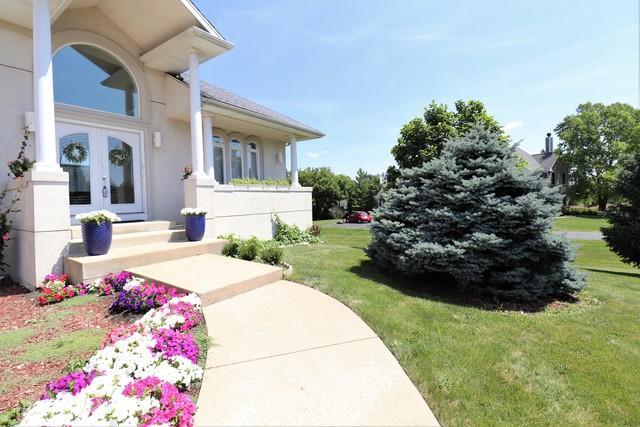 40W568 Campton Woods Drive, Elburn, IL 60119 (MLS #10447758) :: Angela Walker Homes Real Estate Group
