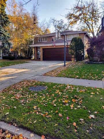 6635 N Ramona Avenue, Lincolnwood, IL 60712 (MLS #10562630) :: The Perotti Group | Compass Real Estate