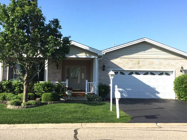 6 Rocking Horse Lane, Grayslake, IL 60030 (MLS #10710943) :: Helen Oliveri Real Estate
