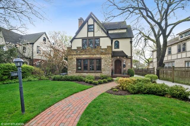 238 Woodlawn Avenue, Winnetka, IL 60093 (MLS #10718081) :: Helen Oliveri Real Estate