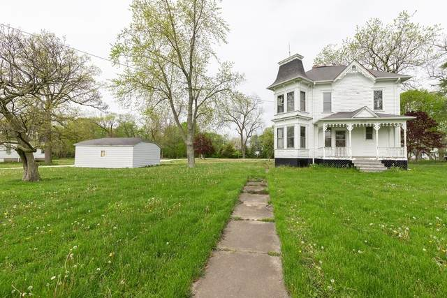 23138 N Main Street, Prairie View, IL 60069 (MLS #10727682) :: John Lyons Real Estate