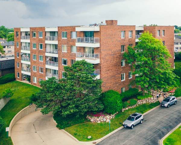 4100 Triumvera Drive B103, Glenview, IL 60025 (MLS #10760616) :: John Lyons Real Estate