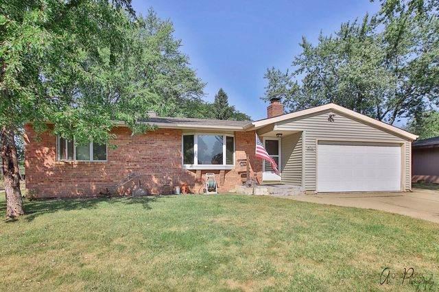 4711 Howard Street, Mchenry, IL 60051 (MLS #10847179) :: John Lyons Real Estate