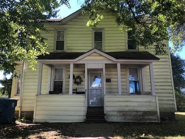 1007 Burlington Street, Mendota, IL 61342 (MLS #10847192) :: Property Consultants Realty