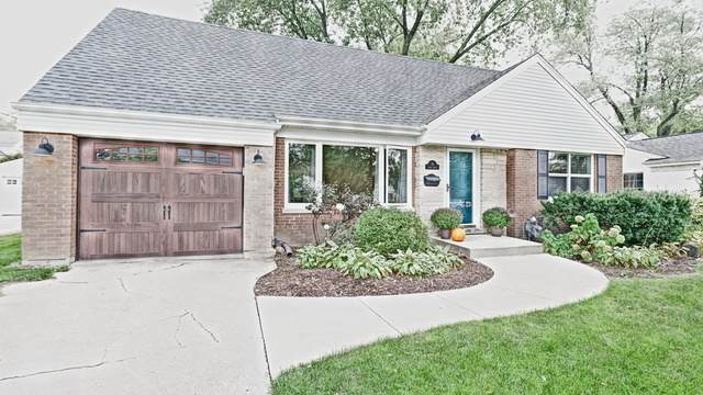 19 Indian Drive - Photo 1