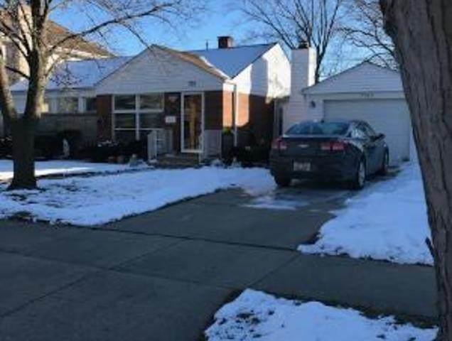7133 Emerson Street, Morton Grove, IL 60053 (MLS #10974303) :: Helen Oliveri Real Estate