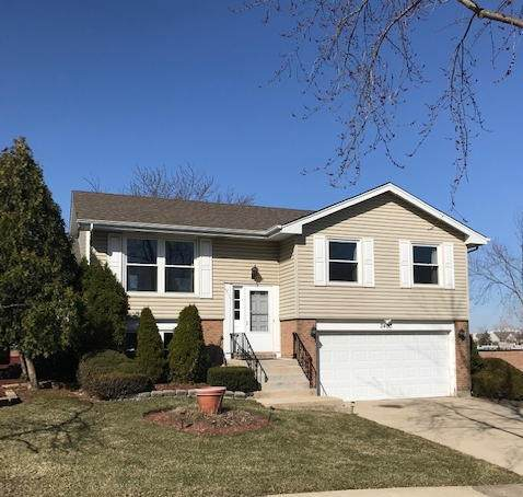 2400 Royal Drive, Lombard, IL 60148 (MLS #11026102) :: The Dena Furlow Team - Keller Williams Realty