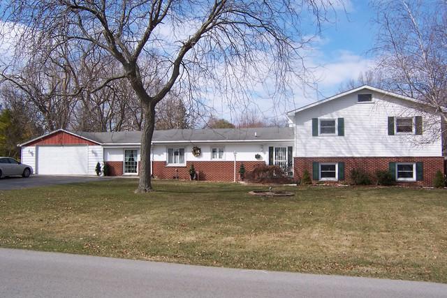 674 S Fall Street S, Paxton, IL 60957 (MLS #09856548) :: Littlefield Group