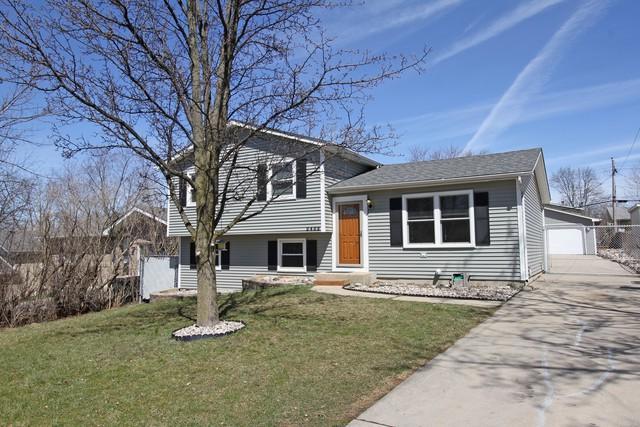 2402 Deerpath Drive, Lindenhurst, IL 60046 (MLS #09914330) :: Lewke Partners
