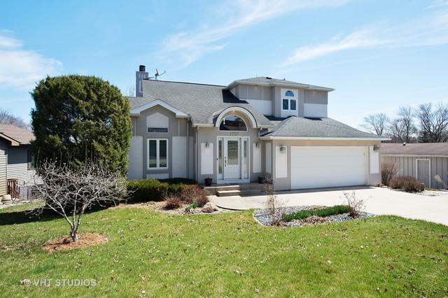 11717 223rd Avenue, Bristol, WI 53104 (MLS #09927305) :: Ani Real Estate