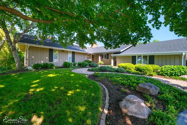 6920 Inverway Drive, Lakewood, IL 60014 (MLS #09972242) :: The Dena Furlow Team - Keller Williams Realty