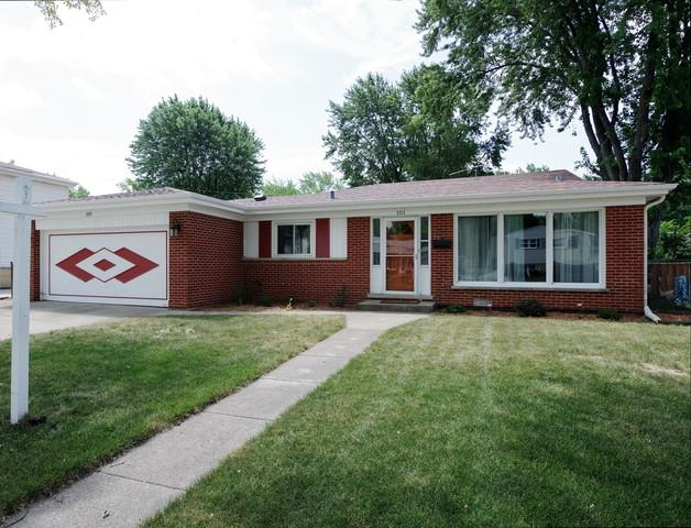 101 Roxbury Lane, Des Plaines, IL 60018 (MLS #10016647) :: The Jacobs Group
