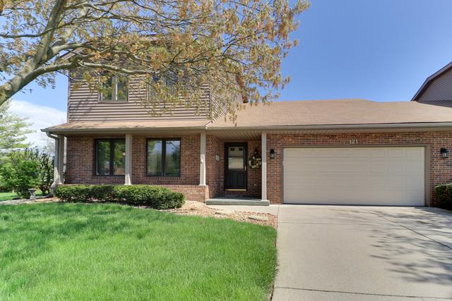 121 Manor Circle, Bloomington, IL 61704 (MLS #10364510) :: Berkshire Hathaway HomeServices Snyder Real Estate